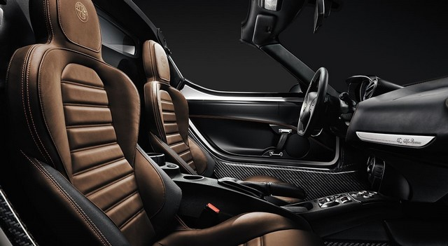 Alfa Romeo au Salon International de Genève 2015 669323150223AR4CSpider16