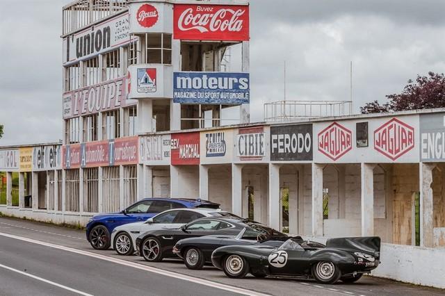 Les Jaguar XF, F-Pace et F-Type célèbrent les 60 ans de la victoire de la Type D aux 12 Heures de Reims Lors De La 22ème Edition De Sport Et Collection 670267IMG1892LowRes