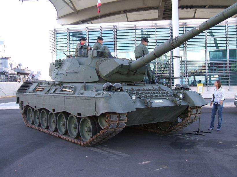 Leopard 1A5 (ITL) KFOR - 1/72° 671047Leopard_1A5_esposto