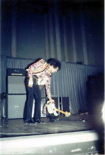 Stockholm (Konserthuset) : 8 janvier 1968 [Premier concert] 67267919680108Stockholm1stShow587
