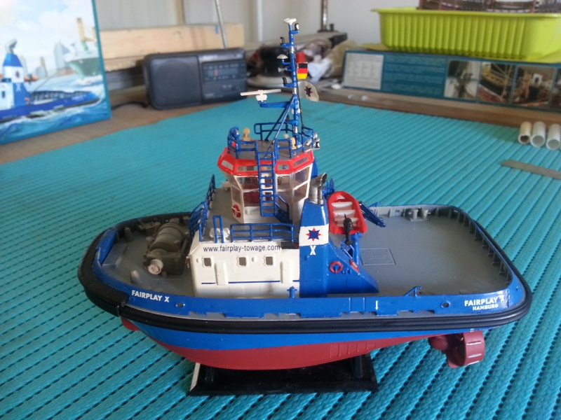 FAIRPLAY Harbour Tug Boat de Revell au 1:144  - Page 2 673088lolo021
