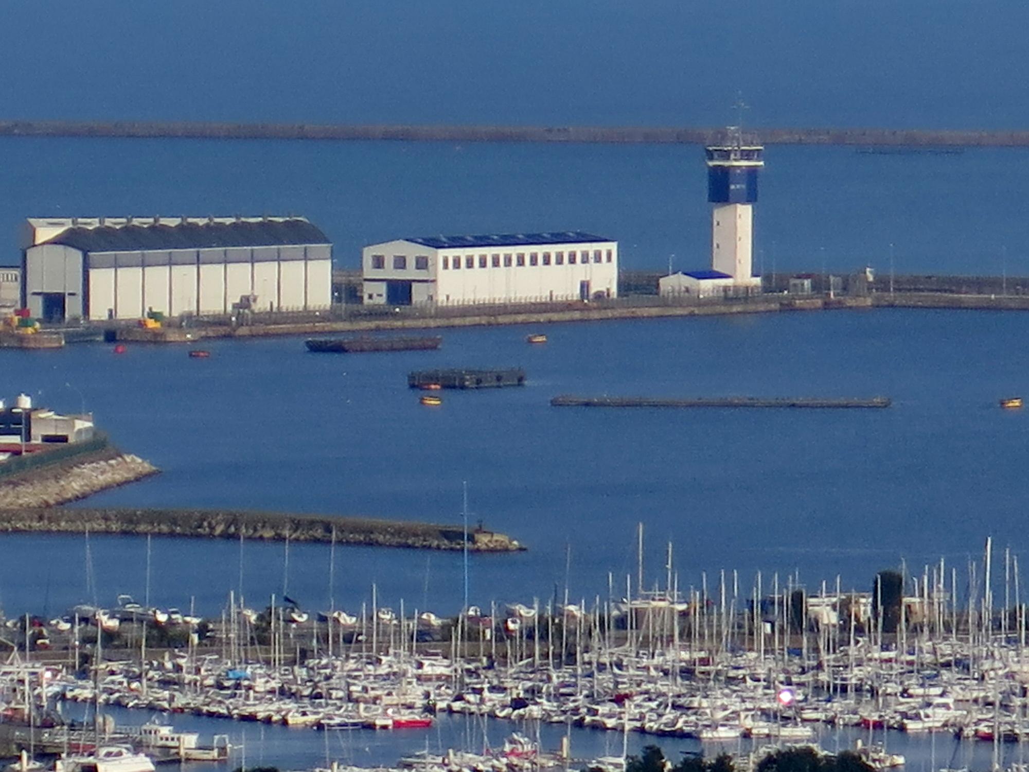 [Activité des ports hors Marine] LE PORT DE CHERBOURG - Page 15 674064vendredicherbourg020