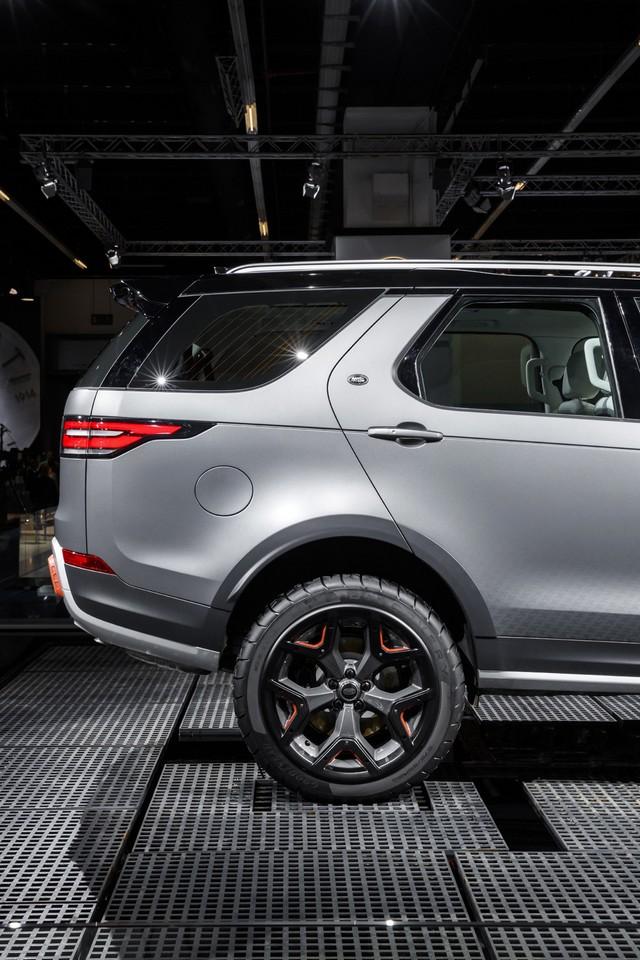 Nouveau Discovery SVX : Land Rover dévoile son champion tout-terrain au Salon de Francfort 674302jlrfrankfurt2017040
