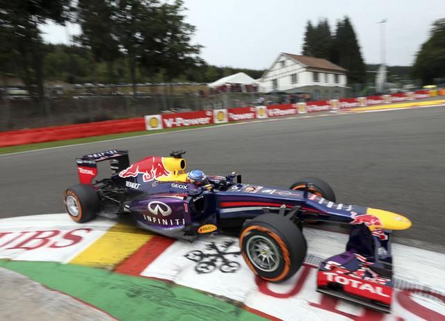 F1 GP de Belgique 2013 : (essais libres-1-2-3-Qualifications) 6743402013gpdebelgiqueSebastianVettel1