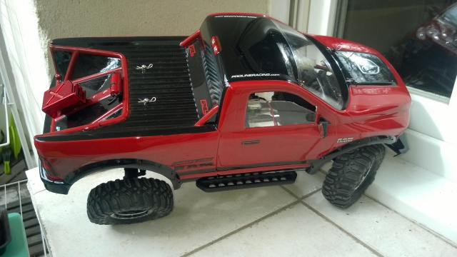 axial Scx10 - Jeep Umbrella Corp Fin du projet Jeep - Page 4 675852WP20150402002