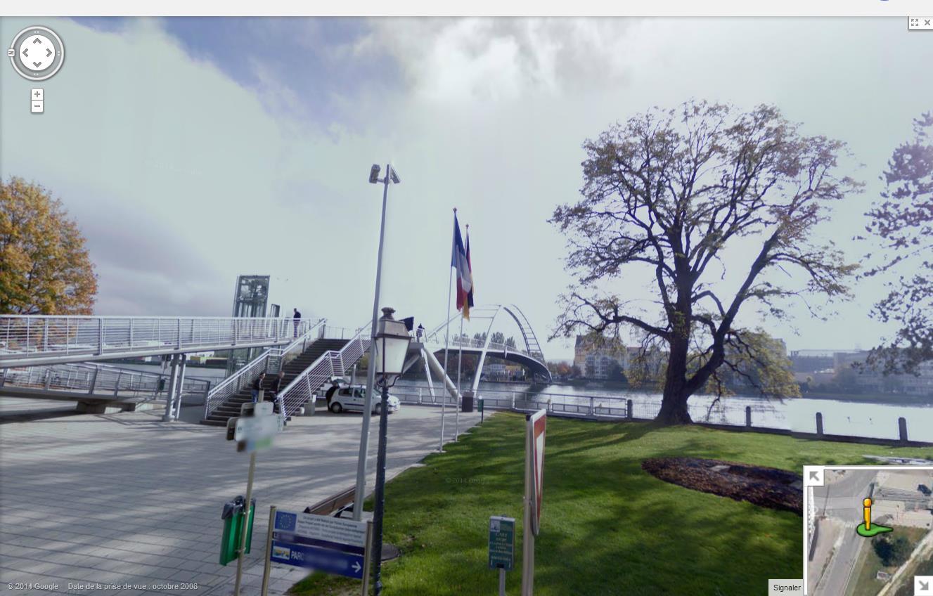 Les ponts du monde avec Google Earth - Page 16 678297passerelledes3pays2