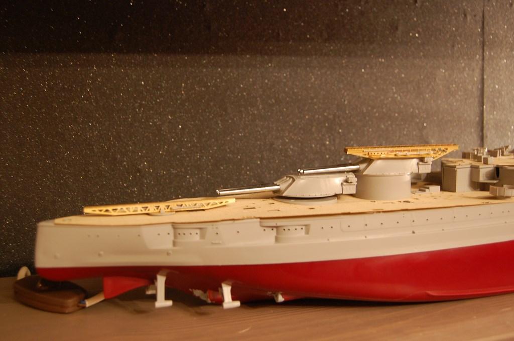 USS Arizona 1/200 par EricAlain 683224Arizona13Copier