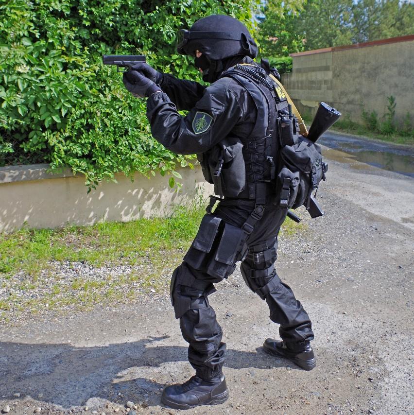 Black Unit FSB 68806120130609195057