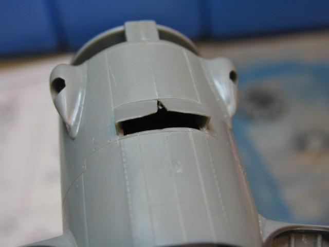 Curtiss SB2C-4 Helldiver  Revell 1/48  689687IMG0552