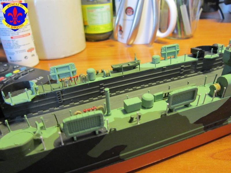 U.S. Navy Landing Ship Médium (Early) au 1/144 de Revell par Pascal 94 - Page 13 692301IMG43531