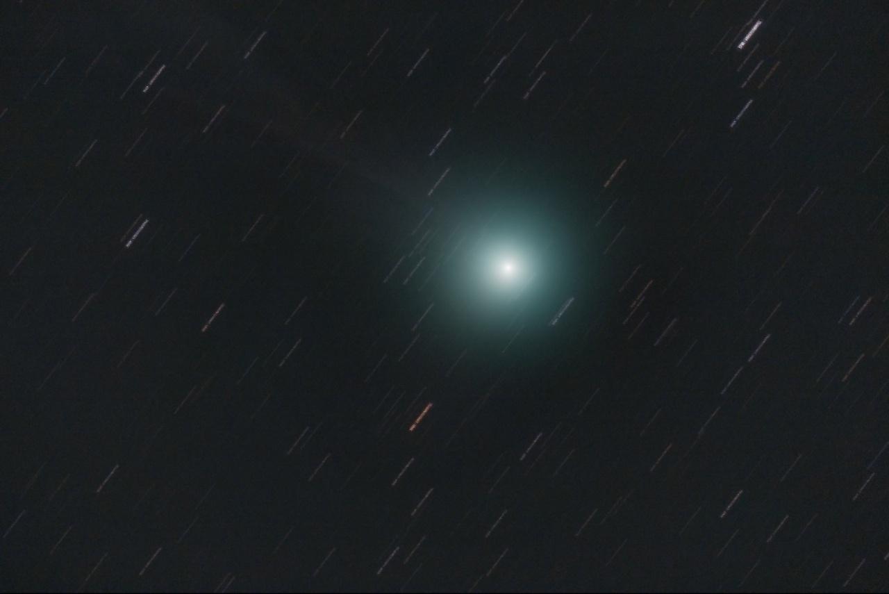 LOVEJOY sous la PLeine Lune 695288C2014Q2LOVEJOY05JAN15w