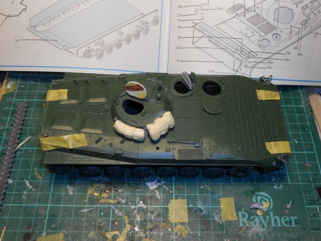 BMP-1 ESCI 1/35e 697000Aot2011056