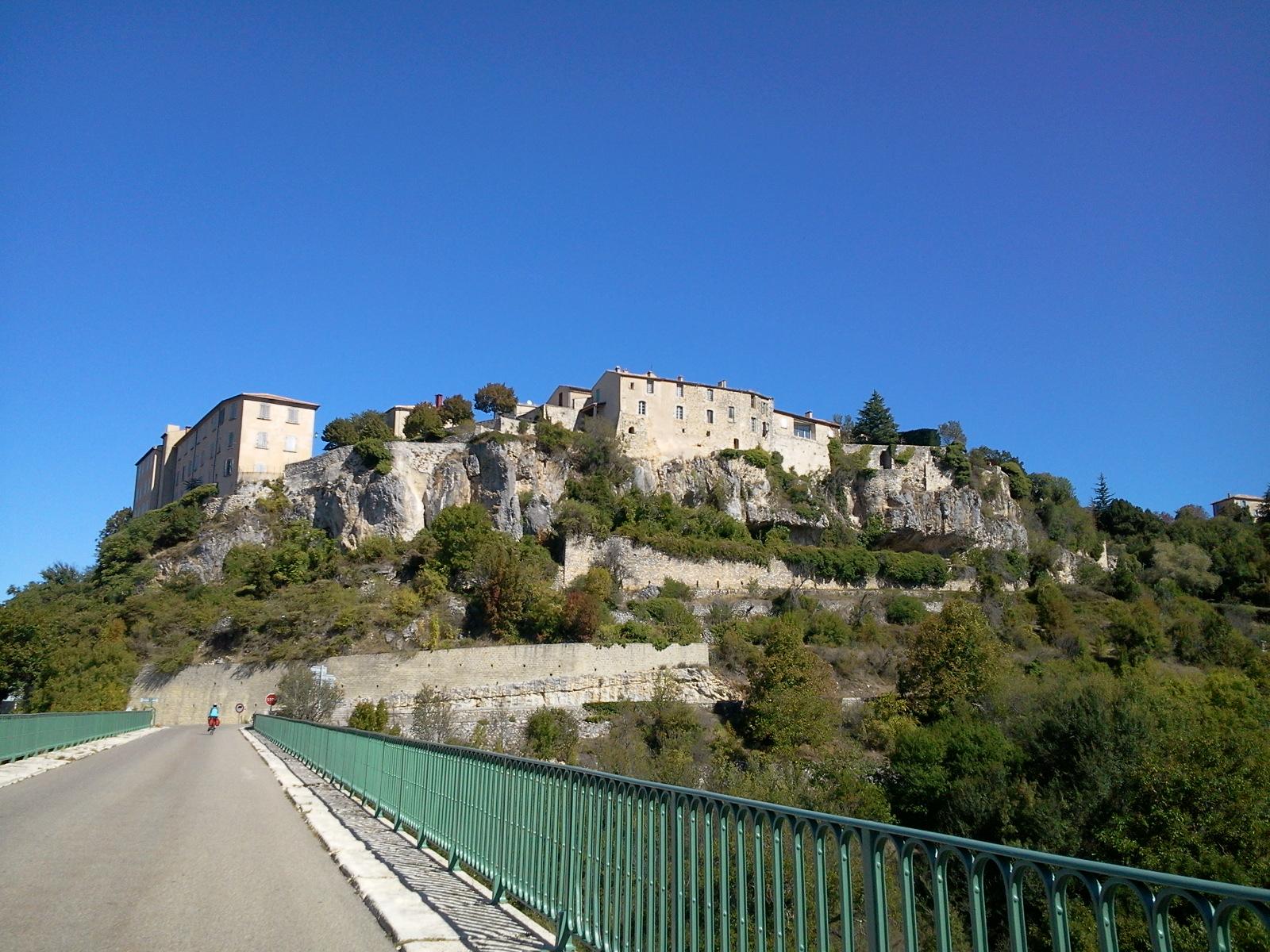 Voyage (petit) à la limite de la drome provençale et du vaucluse. 698156Photo0646