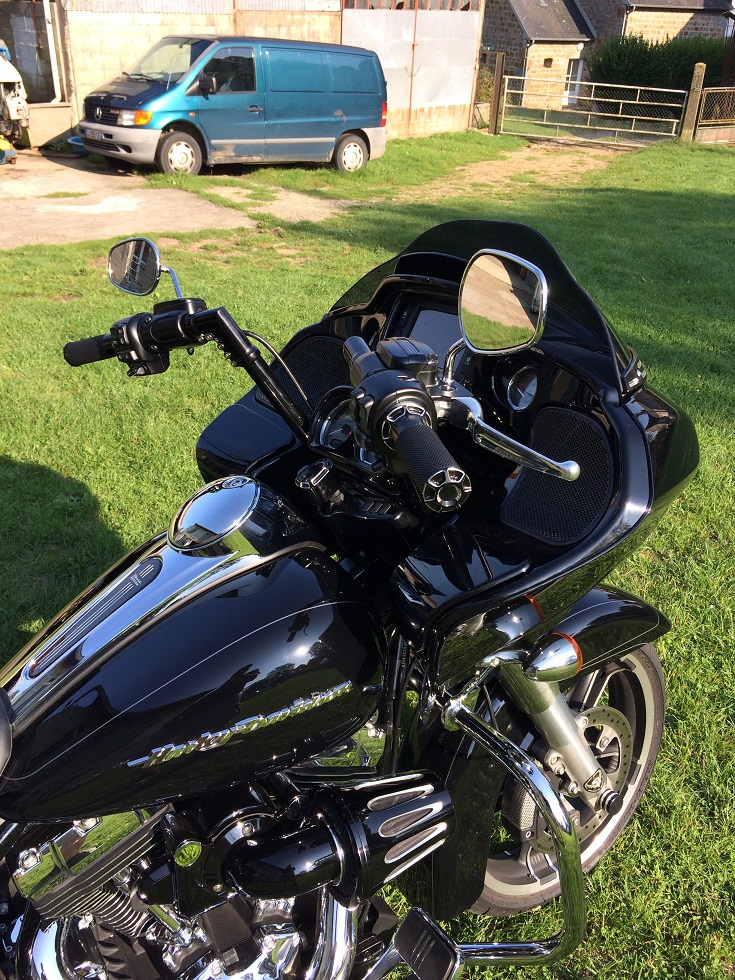 MODIFICATIONS ROAD GLIDE 2015 - Page 7 703995IMG5369