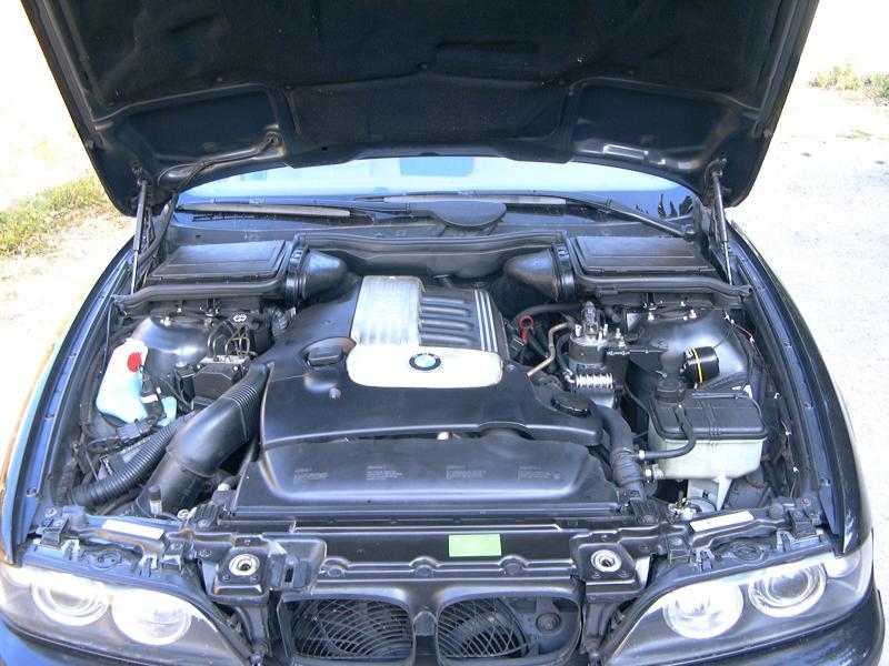 [BMW 530 d E39] Renaissance d'un Cosmos Schwarz Metallic 705800P1000421
