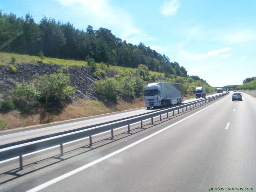 Photos avec plusieurs camions 707518photoscamions5IIV1157Copier