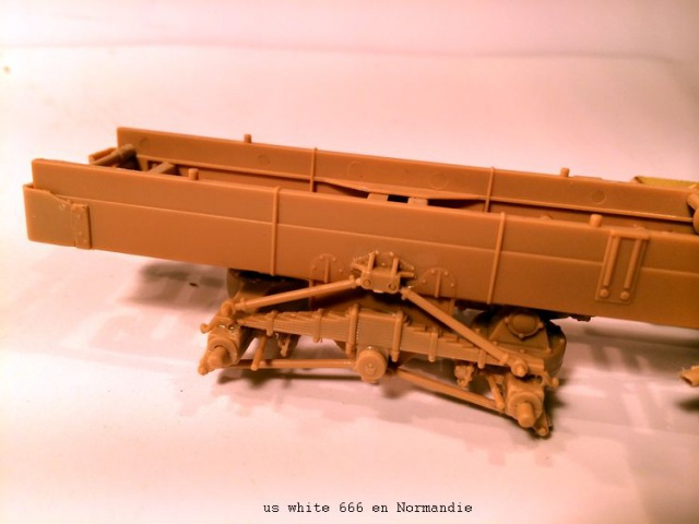 us white 666 cargo truck au 1/35 en Normandie hobby boss 707703white007