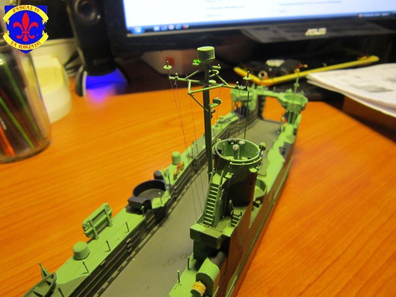 U.S. Navy Landing Ship Médium (Early) au 1/144 de Revell par Pascal 94 - Page 13 709008IMG43471