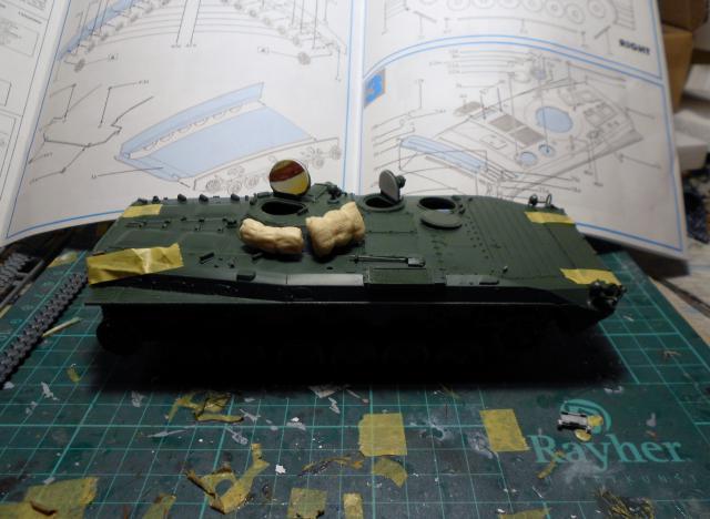 BMP-1 ESCI 1/35e 711147Aot2011054