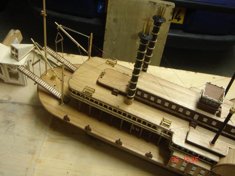 Bateau vapeur Robert E. Lee 1866 (Constructo 1/48°°) de Henri 711805DSC06830
