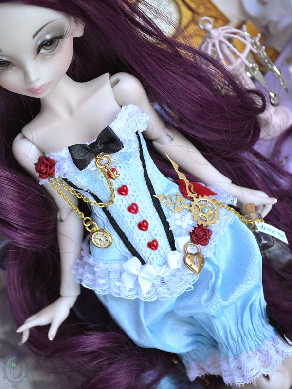[Créa] † Mystic Dolls † : Réservations ouvertes ! - Page 6 726204AlicepourLycheeDetails04