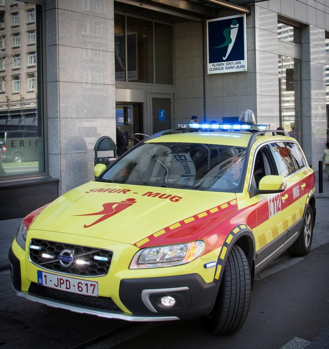 Clinique Saint-Jean : la Volvo XC70 qui peut sauver des vies 732348CliniqueSaintJeanlaVolvoXC70quipeutsauverdesvies3