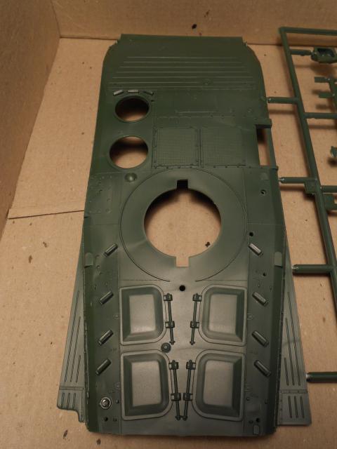 BMP-1 ESCI 1/35e 732405Aot2011050