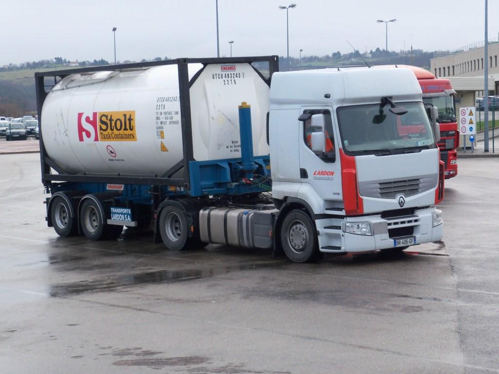 Lardon Transports  (Veauche, 42) 735538photoscamion28Janvier20125Copier