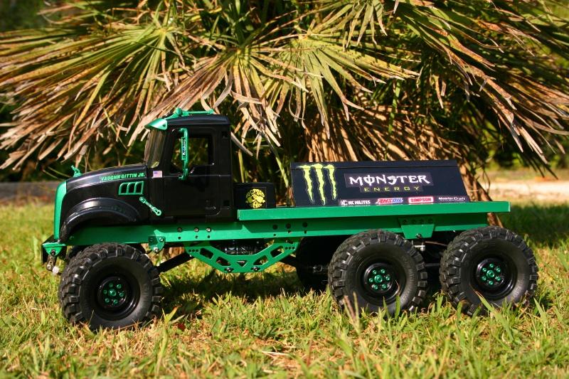 Mack 6x4 Monster Energy (FINI en attente d'un arceau) 736670IMG8101