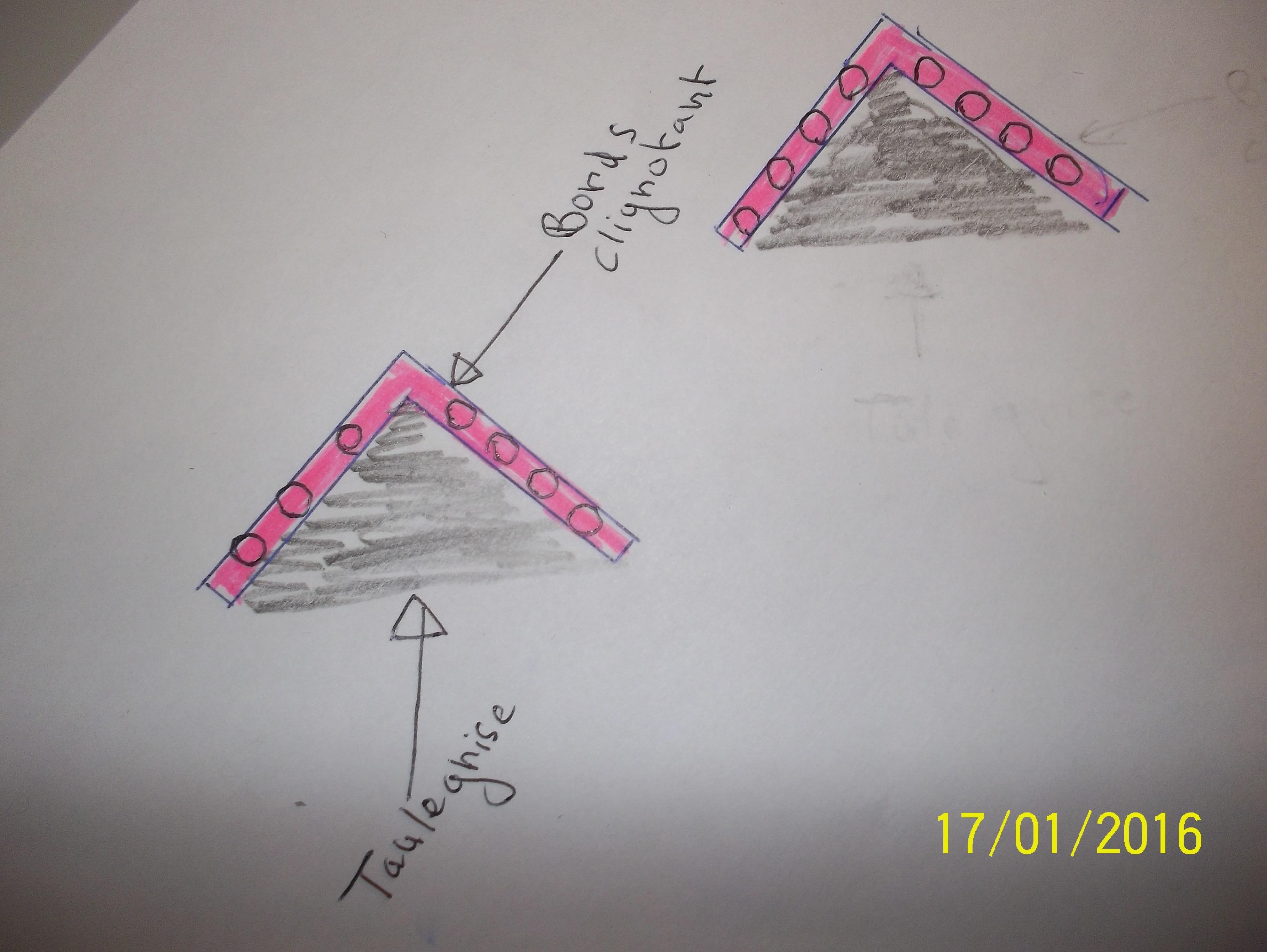 2015: le 25/12 à 17H30 - Ovni en Forme de triangle -  Ovnis à vallée du Rhône - Rhône (dép.69) 7388151005342