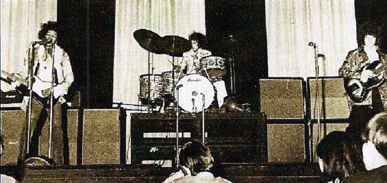 Londres (Saville Theatre) : 4 juin 1967 [Second concert] 74194419670604saville