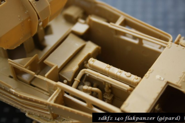 sd.kfz 140 flakpanzer (gépard) maquette Tristar 1/35 750181IMG1651
