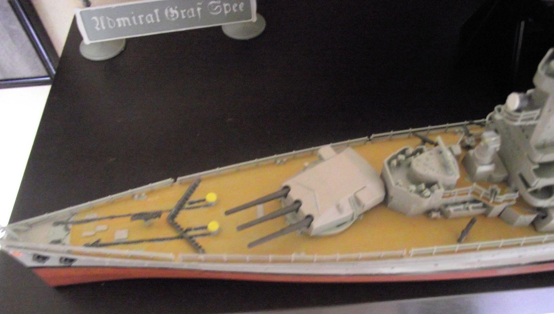 Admiral Graf Spee 1/350 Academy  751041DSCF0774