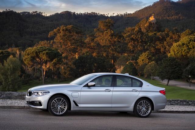 BMW Group au salon de Detroit NAIAS 2017 755965P90244237highResbmw530eiperformanc