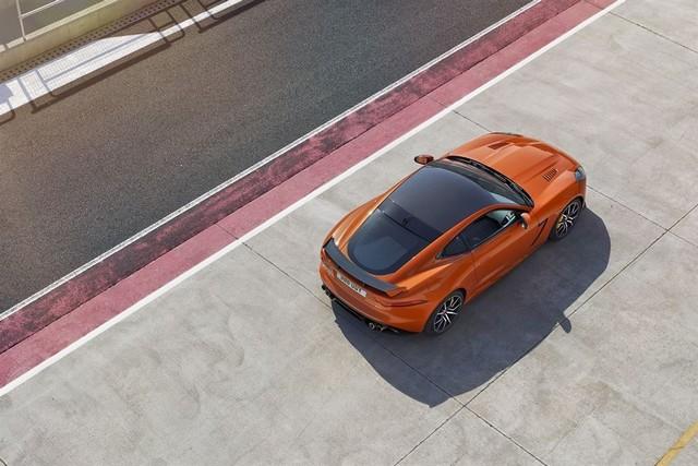 Nouvelle Jaguar F-TYPE SVR : La Supercar Capable D'atteindre 322 km/h Par Tous Les Temps 756743JAGUARFTYPESVR13COUPETrackLowRes