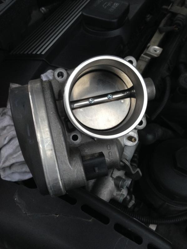 [Moteur M52TU/M54] Changement soupape de ventilation d'huile 756785IMG5166
