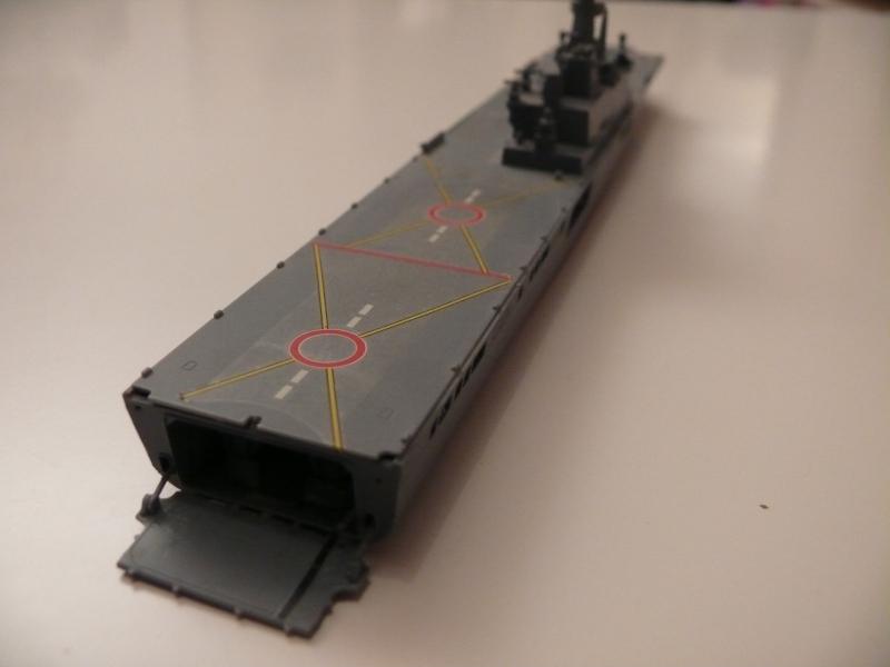 JMSDF LST Osumi 1/700 (Tamyia) 757560P1070981