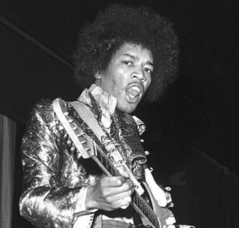 Londres (Saville Theatre) : 7 mai 1967 [Premier concert] 759042page3411002full