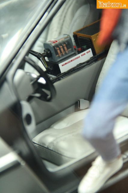 HOT TOYS - Back to the Future - Marty McFly 759683sdcc2014hottoysbooth60
