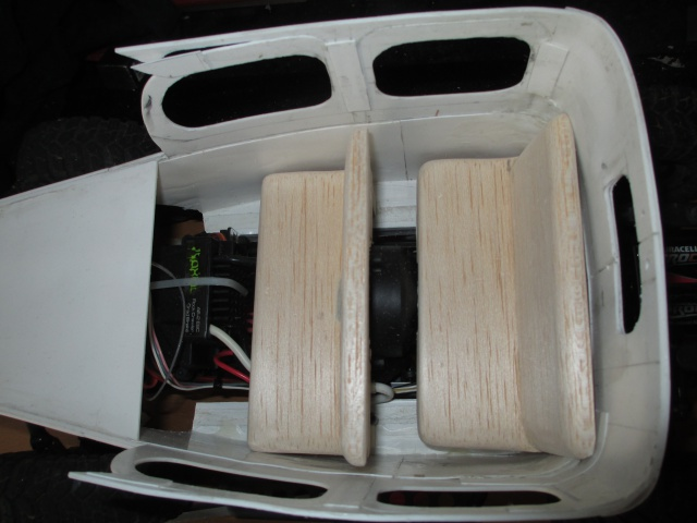 Futur projet, Dodge Legacy power wagon - Page 3 762524IMG1403