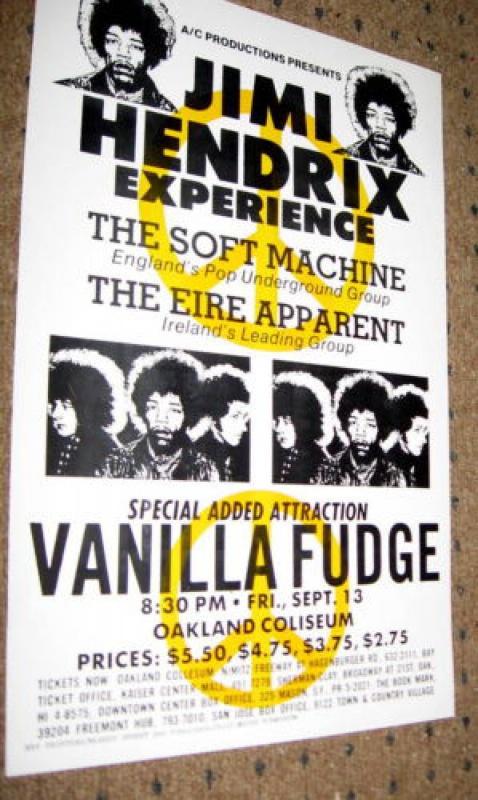 Oakland (Oakland Coliseum) : 13 septembre 1968  764406BwEIEHQBGkKGrHqQOKigEwPnbKQpVBMHQM3C3g12