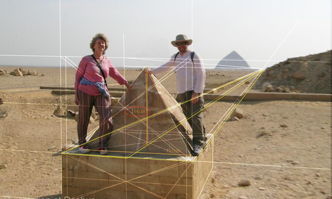 La révélation des pyramides - Page 17 765887pyrami10vsClinePyramidion