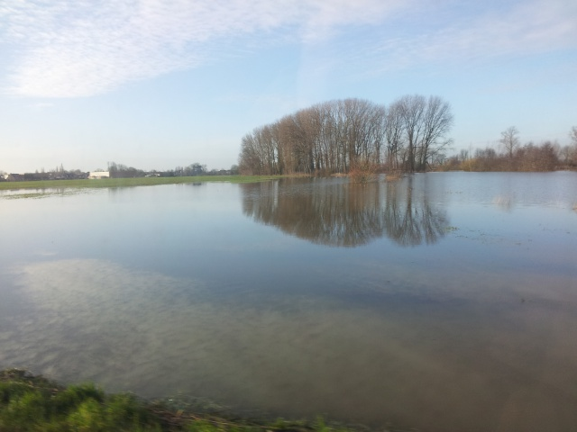 reportage inondations Nord France 4/11/2012 - Page 3 76795920130102102223