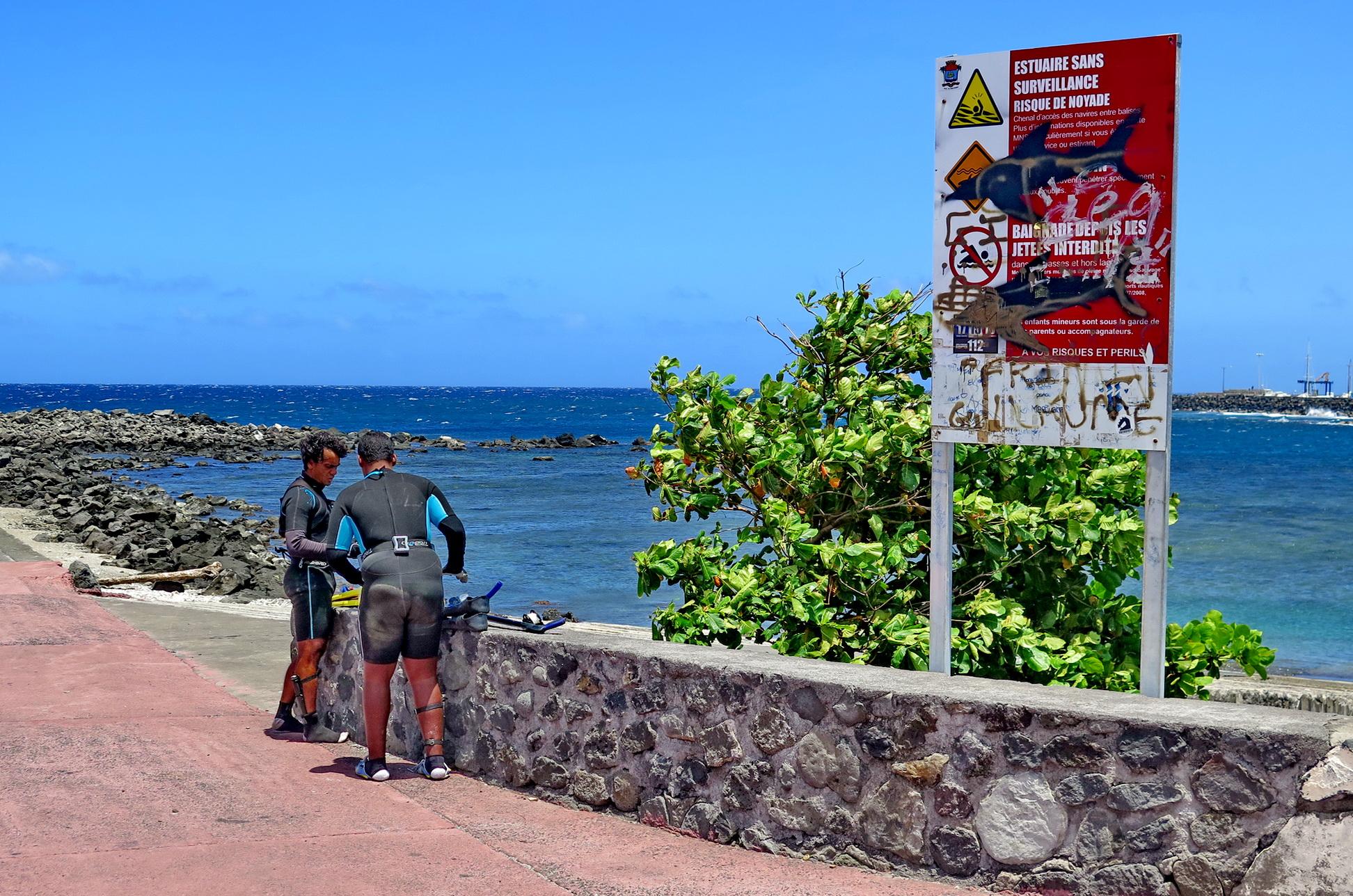 [Vie des ports] Les ports de la Réunion - Page 3 769075IMG0466