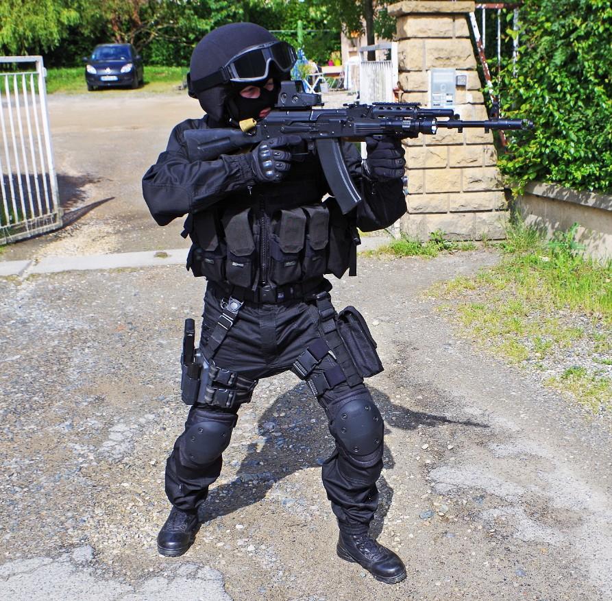 Black Unit FSB 77463920130609195524