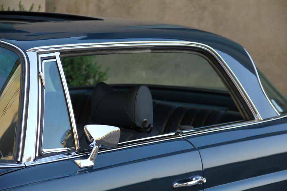 une splendide et magnifique Mercedes-Benz w111 coupé vendue par Bahman Cars - Page 2 774922mbw1110023