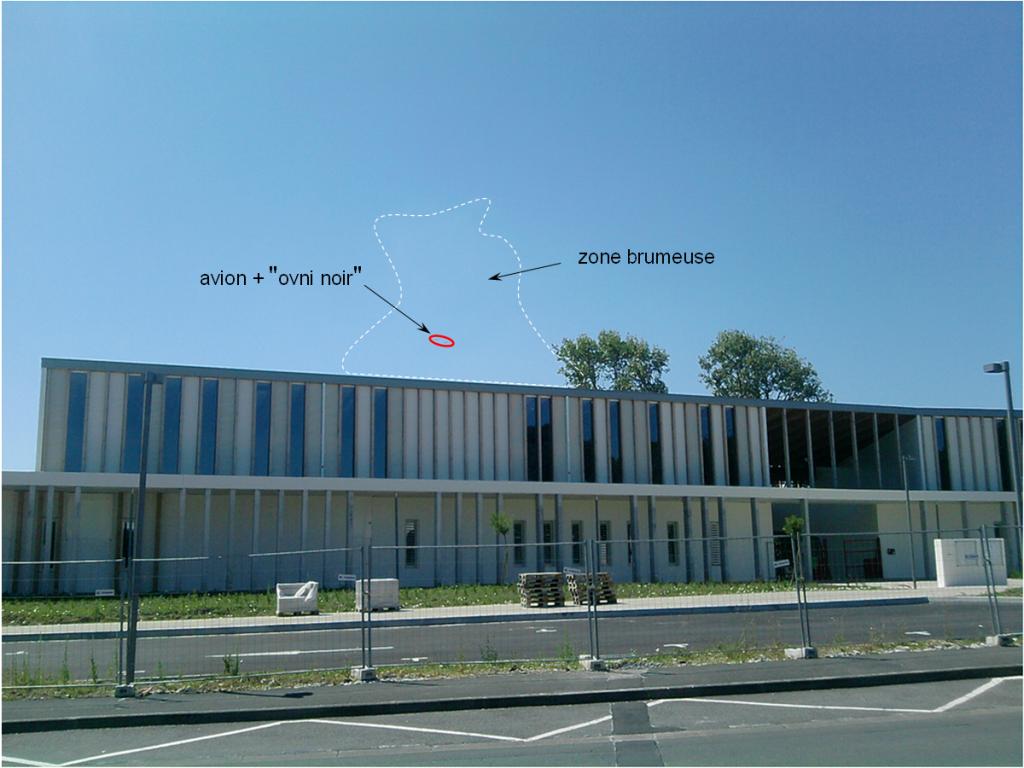 2012: le 23/07 à 11H30 - Pan dans le ciel - Lycée Hotelier Biarritz (64)  - Page 2 776235astronaut1231