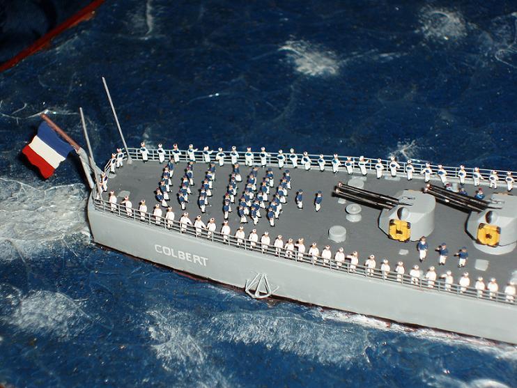 Le Croiseur COLBERT, Heller 1/400 +photodecoupe + resine 776765s15