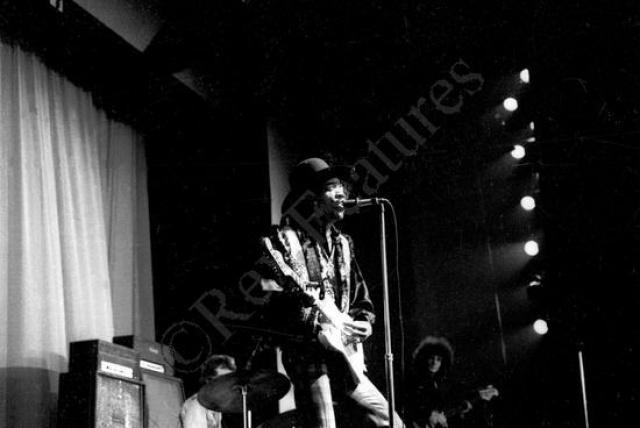 Stages - Paris 68 (1991) [CD2] 782565446203AQ