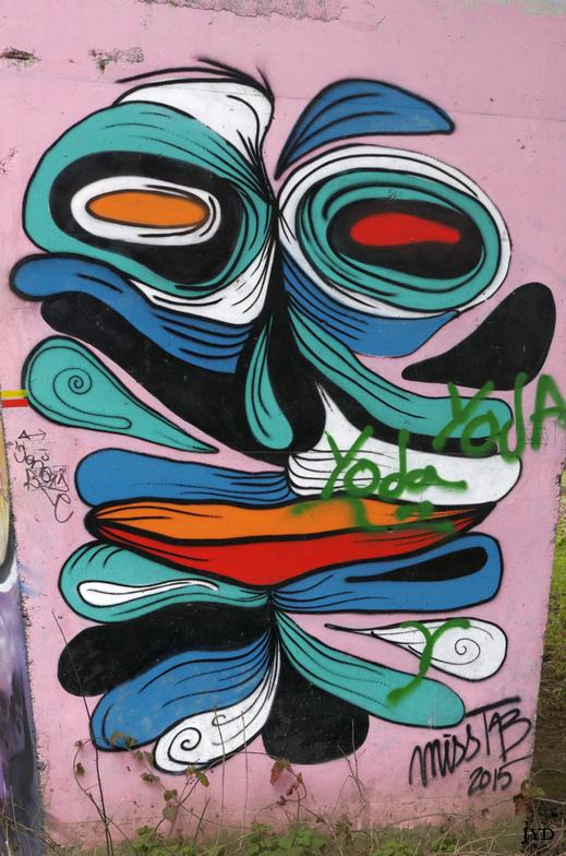 Graffs... 790211LaSevreNantaise04